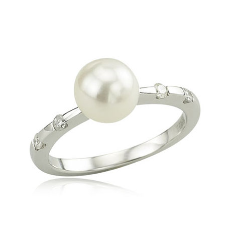 14K White Gold Pearl & Round Diamond Ring