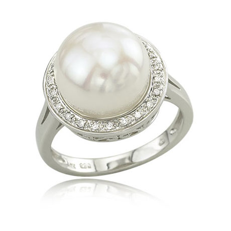 14K White Gold Diamond & Pearl Ring